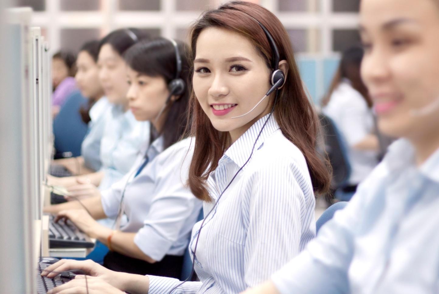 Hình ảnh nhân viên tổng đài chuyển văn phòng Thanh Hương